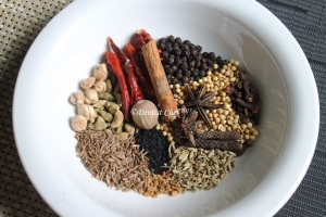 homamade indian garam masala mixture spices