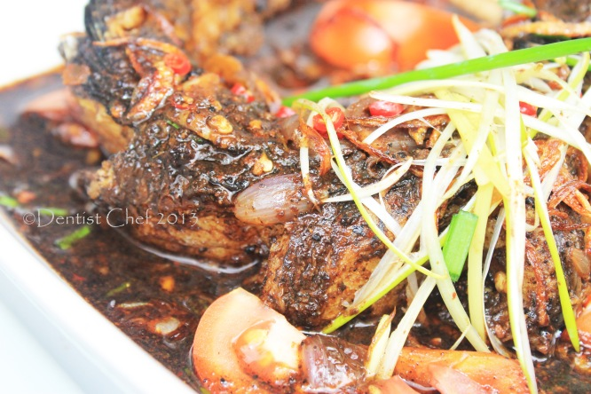 Spicy Stewed Snake head fish with Black nuts: Gabus Pucung