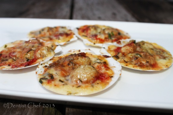 Recipe baked scallop with cheese and herbs