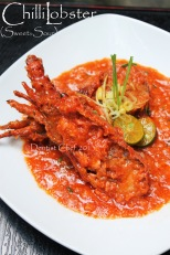 sweet sour lobster chilli tomato sauce spicy singapore sauce
