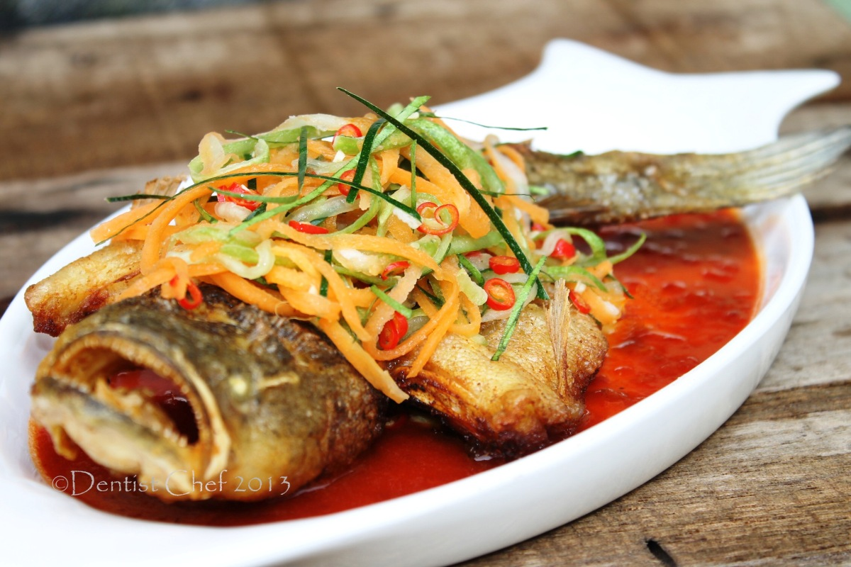 Deep fried marble goby soon hock with vietnamese chilli for Recipes with fish sauce
