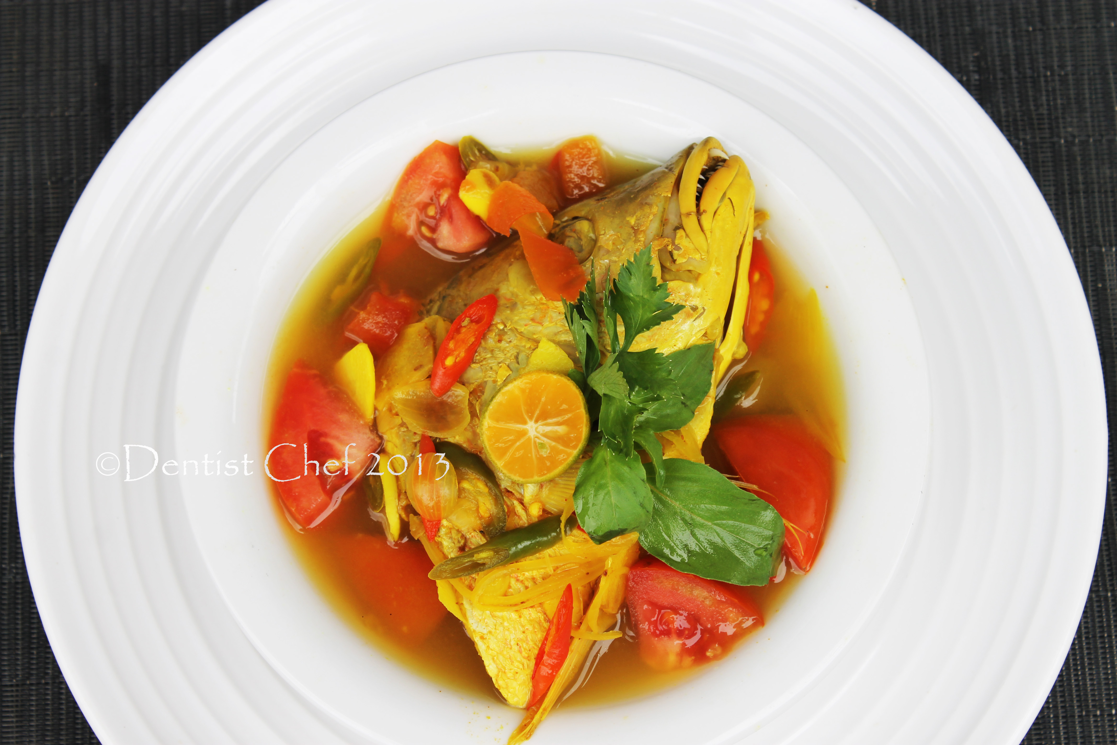 Resep palumara ulu juku spicy red snapper fish soup for Fish broth recipe