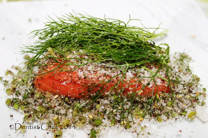 Homemade Salmon Gravlax Recipe (Easy Cured Salmon Fillet with Dill ...