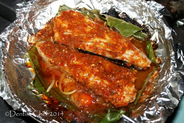 sambal stingray recipe grilled stingray fillet with chili sauce garlic onion lemongrass tomato ikan pari bakar