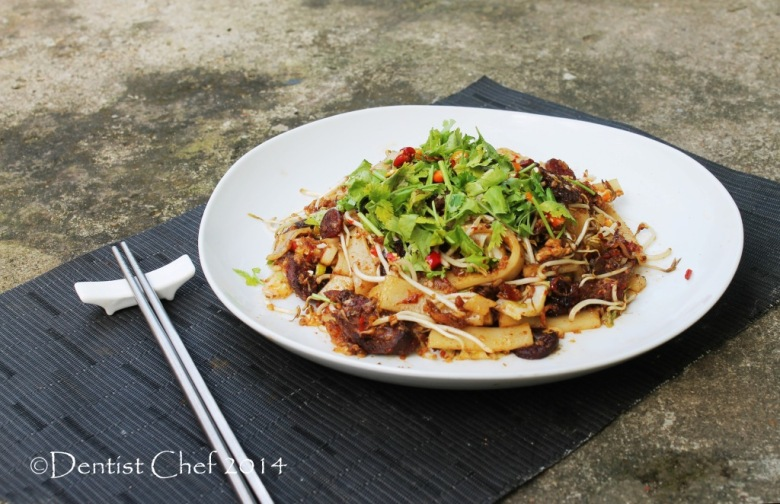 beef kwetiaw xo sauce stir fry char kway teow wagyu beef asian flat rice noodle cake spicy chili bean sprout