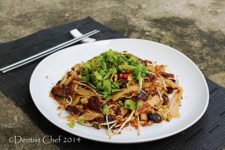 kwetiau goreng sapi jambi beef char kaw teow stir fry wagyu beef xo sauce rice cake noodle beansprout egg scallion