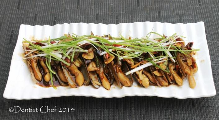 stir fried razor clams oyster sauce garlic ginger bamboo clams Gould's razor shell jackknife clams recipe