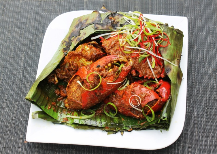 kepiting asap bumbu pedas smoked crab wrapped in banana leaves with spicy chili shallots garlic shrimp paste