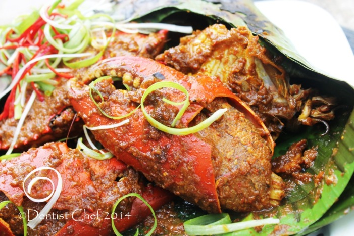 recipe crab wrapped banana leaf spicy curried mud crab curry hot chili shallot garlic barbequed bbq grilled crab