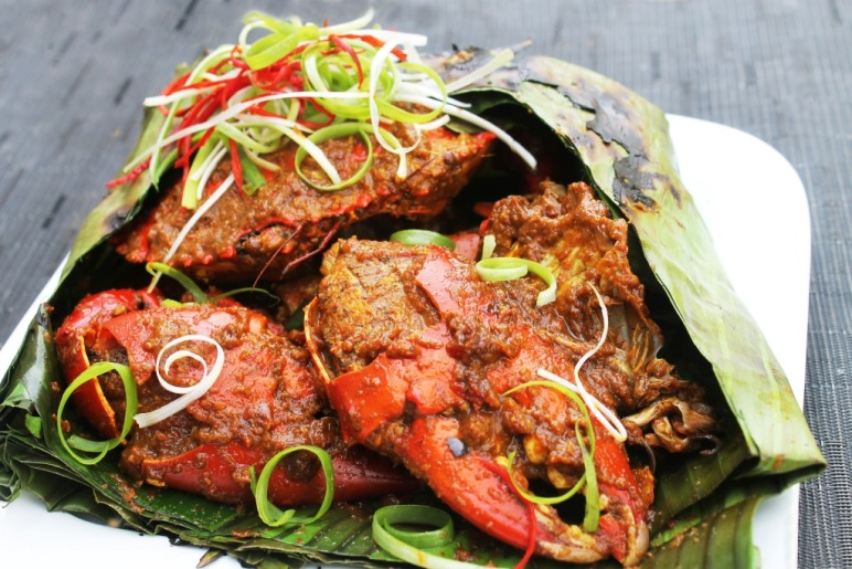 recipe spicy crab chili shallot garlic curry wrapped in banana leaves barbequed mud crab resep kepiting asap pedas
