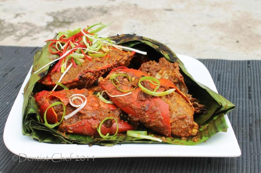 resep kepiting bakar daun pisang asap pedas bumbu rendang kepiting papua bakar ala resto