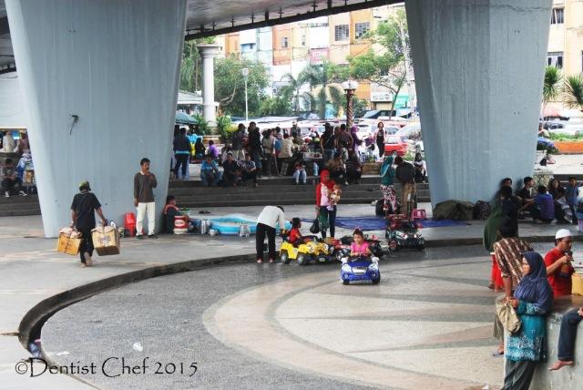 taman dibawah jembatan ampera toyota agya blog contest