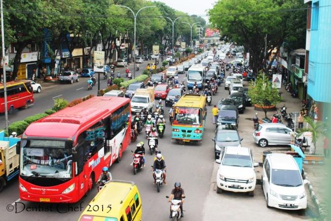 toyota agya palembang jalan macet traffic